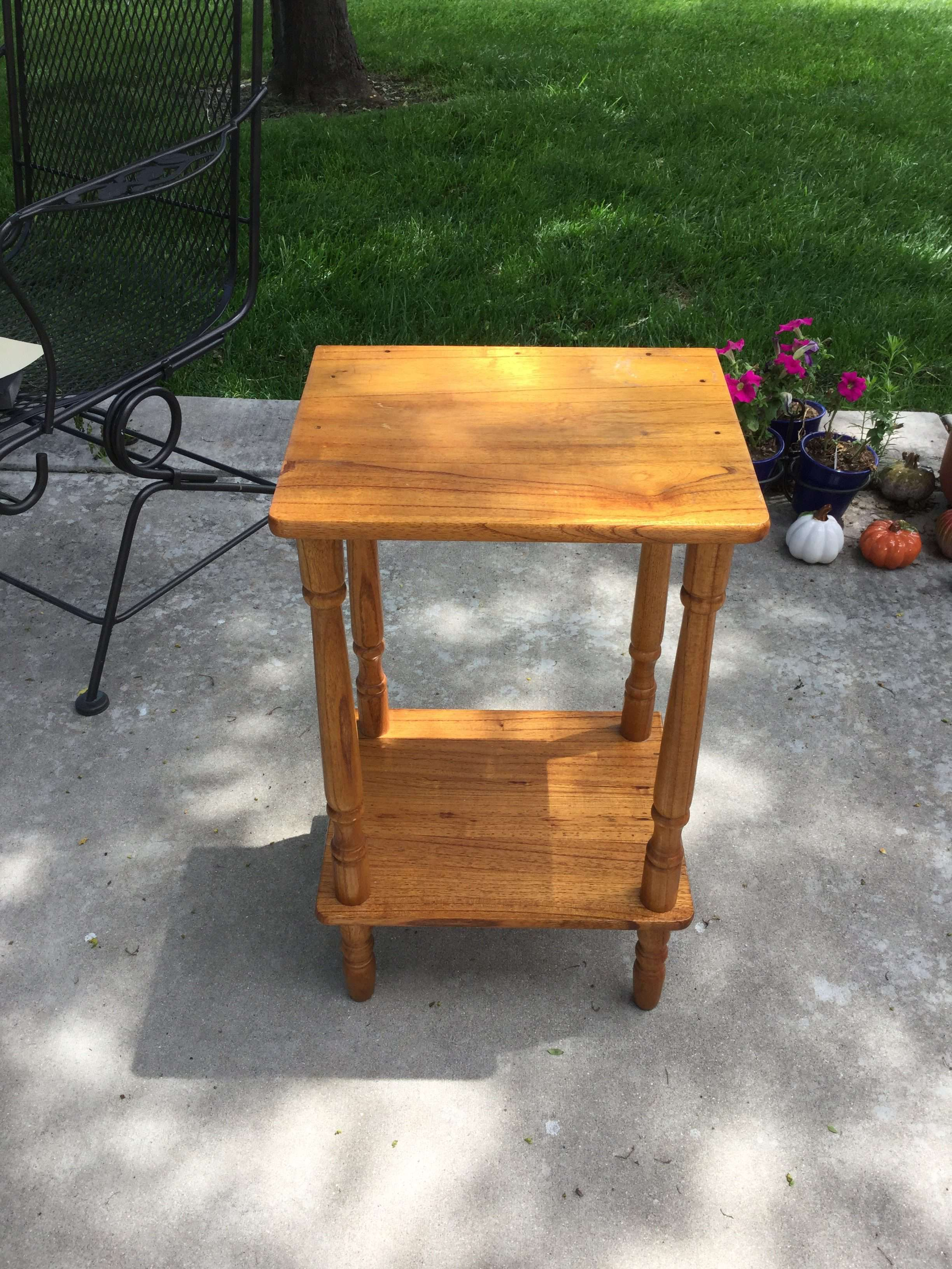 Here is the side table that I purchased for $1 at a garage sale. It had holes on top, some sort of sticky residue from something that was sitting on it, and some scratches.