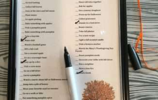 It's ready to use! Once you have done something on the list, use the dry erase marker to check it off. Continue all fall to check off the items you do and see how many you can accomplish.