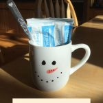 Do you like easy gift ideas? I like making my own gifts for the holidays, and today I'm sharing my easy snowman mug with you.