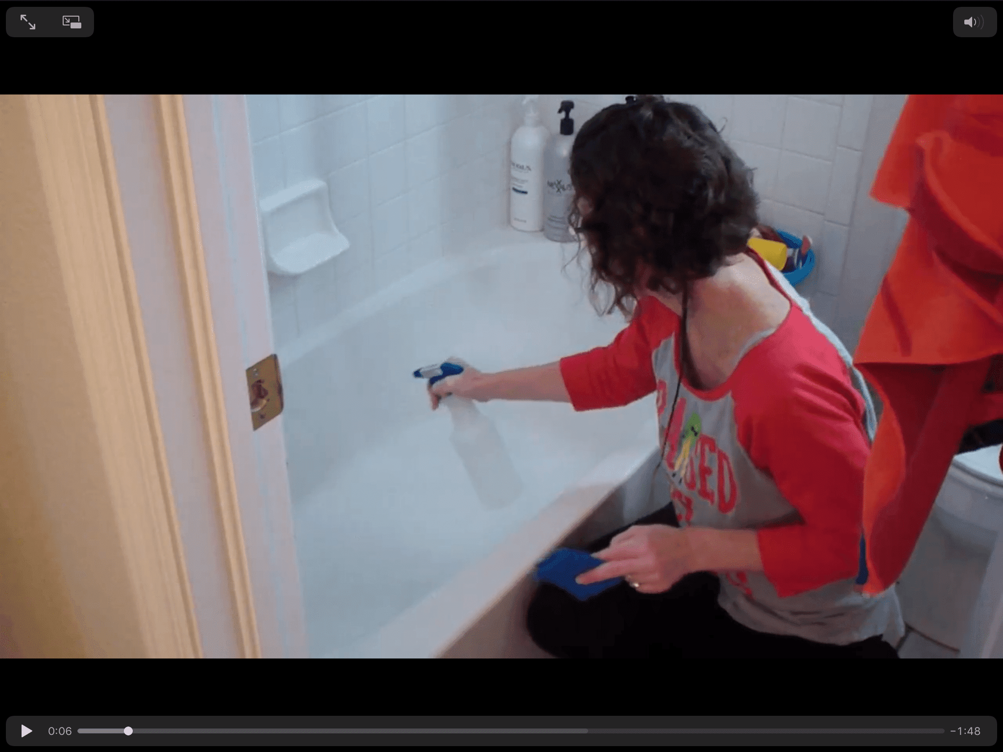 Spray Vinegar On Your Fiberglass Tubs And Tubs You Cant