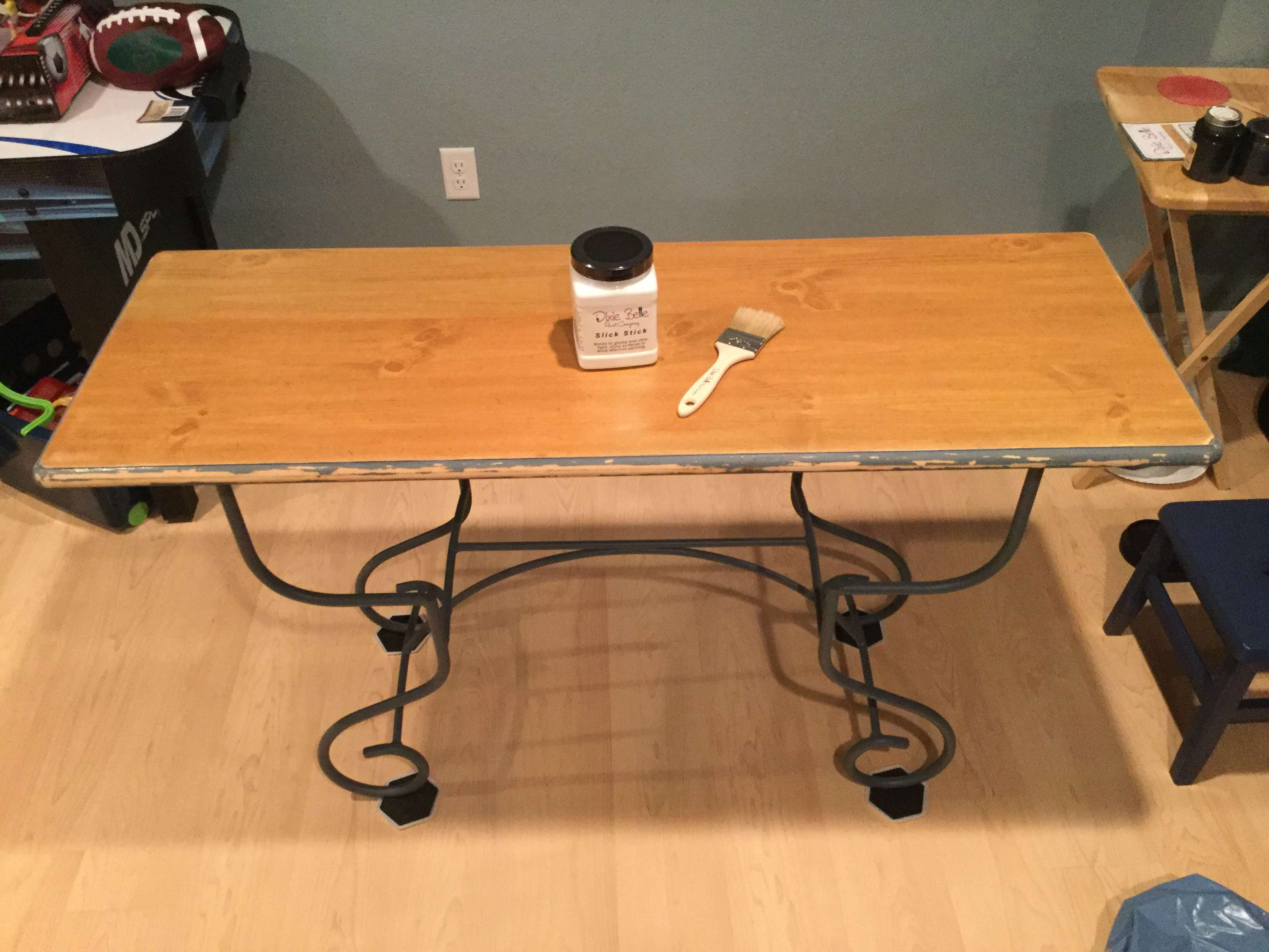 furniture up cycle faux wood grain table chas crazy creations