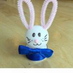 Want an easy spring bunny craft? With a few dollar store items, you can make this easy spring bunny nightlight craft! Great for kids and adults, parties, party favors, etc.