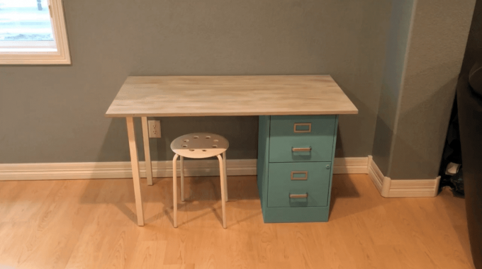 Up-cycling a Filing Cabinet to  a Desk