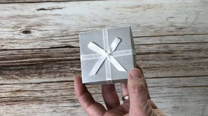 Eco Friendly & Green Gift Wrapping Ideas
