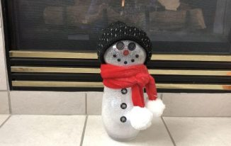 Upcycled Vases to Glittery Snowman