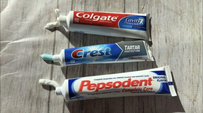 13 Ways To Clean with Toothpaste