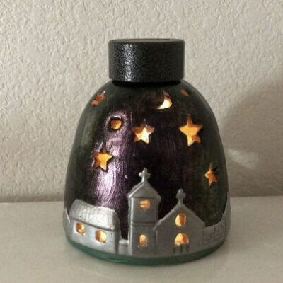 Easy Thrift Store Upcycle (11) add solar light