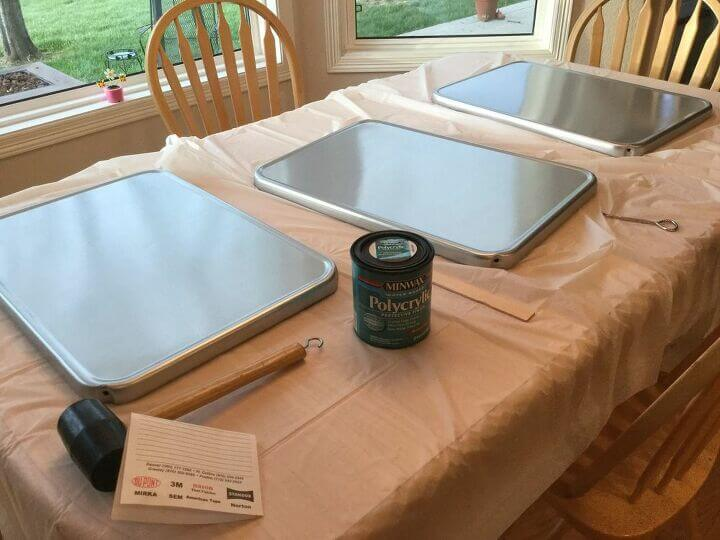 Once the paint was dry I gave it 3 light coats of Polycrylic letting it dry between each coat to protect the surfaces.