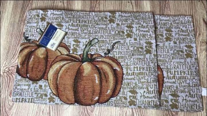 I found these placemats at the dollar store. I grabbed 2 of them and brought them home.