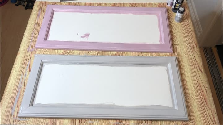 I painted one of the boarders with Home Decor Chalk Paint Lilac and the other Home Decor Chalk Paint Parisian Gray. I painted 2 coats letting it dry between each coat.