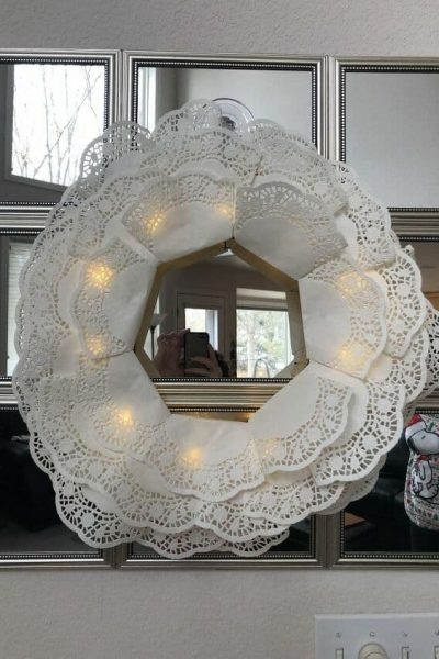 You could easily use heart shaped doilies for this project as well and simply fold them up and glue.