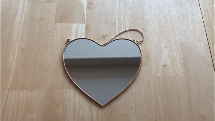 I found this heart mirror in the Target Dollar Spot for $3! Now I could stop here and be done, but for some additional seasonal decorating, I wanted to have a little fun.