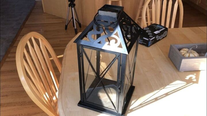 I washed the entire lantern and cleaned it all up. The metal looked great still so I didn't need to repair or paint it.