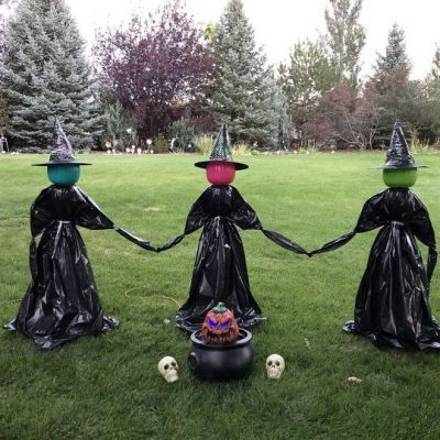 Do you like decorating for Halloween but don't want to break the bank doing it? I'm sharing how to make an easy Halloween witch on a budget!