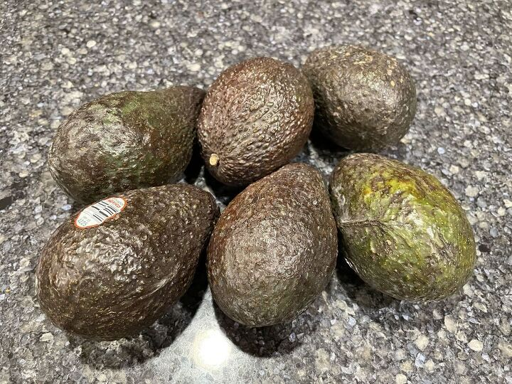 Avocados Lime juice Salt