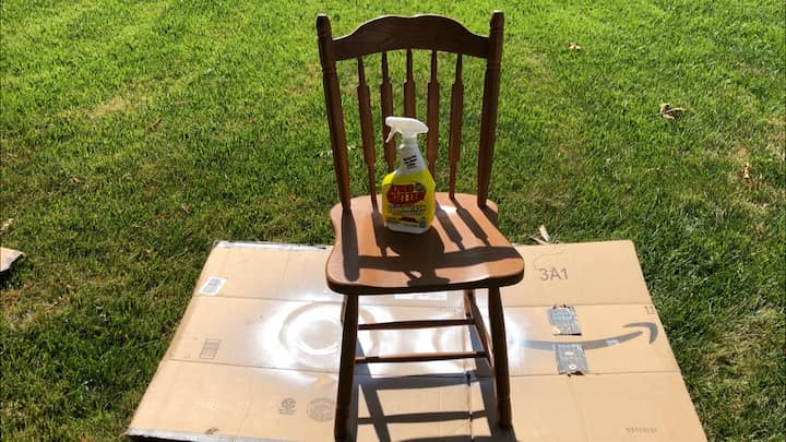 I cleaned both chairs with Krud Kutter to remove all the dirt, sticky residue, and prepare them for painting.
